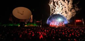 12980_1_live-review-elbow-live-from-jodrell-bank-transmission-002_ban