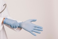 professional-doctor-with-gloves_23-2147646650.jpg