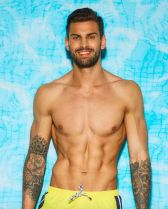 love-island-2018-adam-collard-1527693402