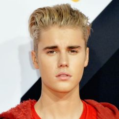 justin-bieber-attends-the-mtv-emas-2015-at-the-mediolanum-news-photo-1569507396